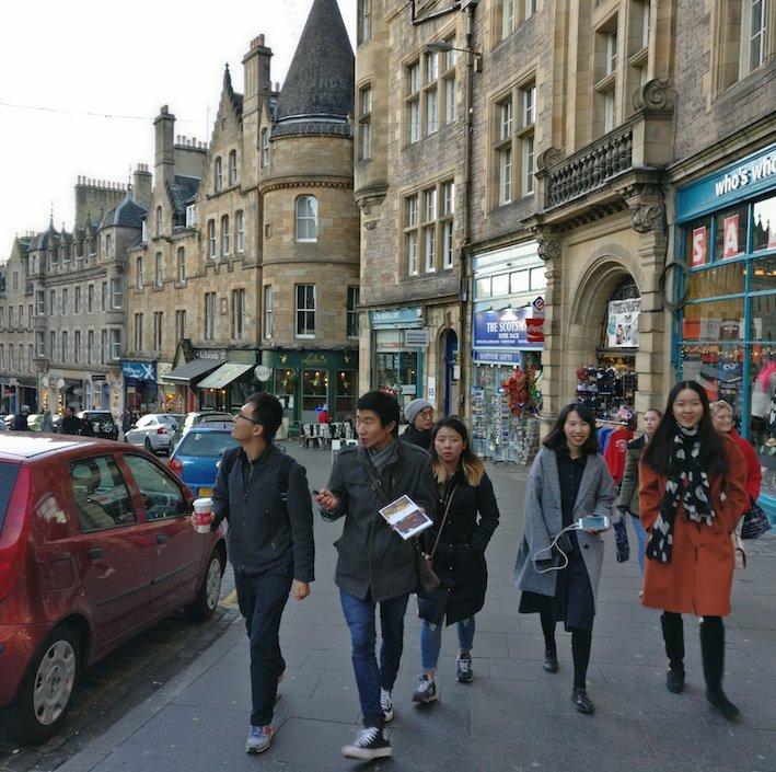 Mandarin Edinburgh Architecture Chinese speaking Tour Group walking