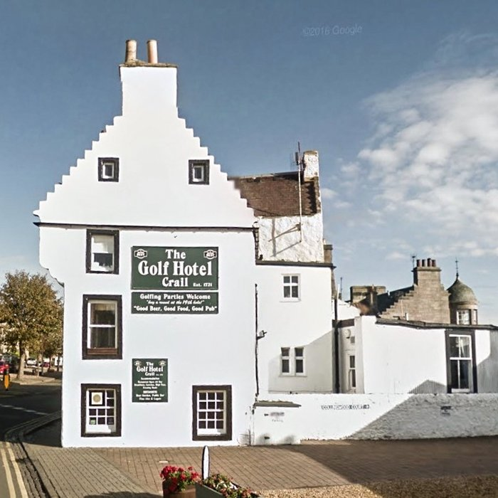 Scottish Baronial White Harled building in Fife, Crail | Architecture Tours