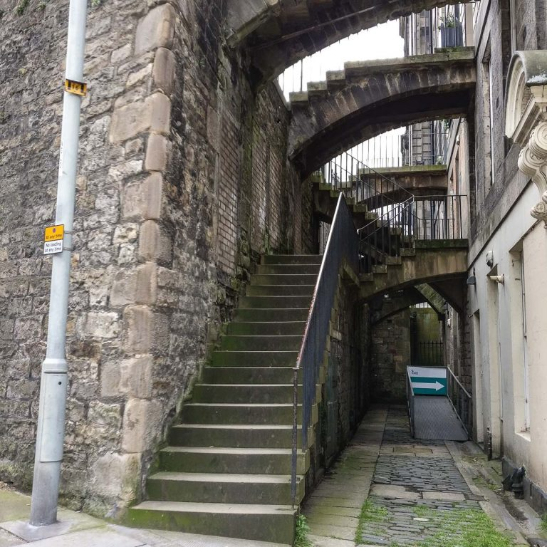 New Town Stairs | New Town retaining walls | Georgian Houses | Edinburgh New Town walking tour