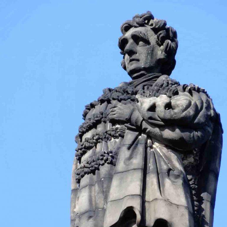 Melville Monument seen on Edinburgh New Town audio tour